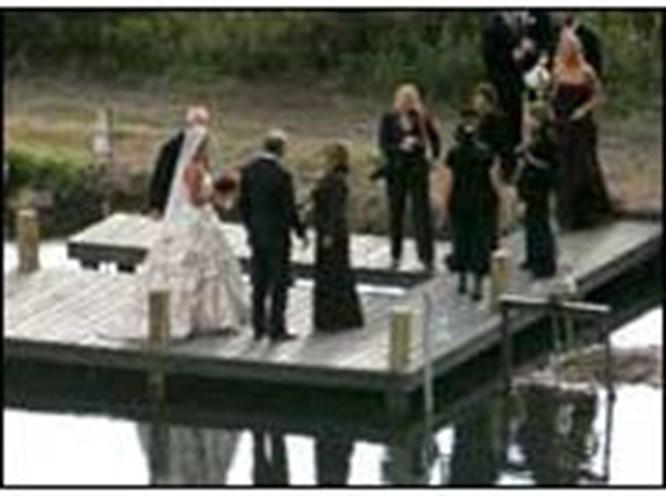 Kevin Costner evlendi